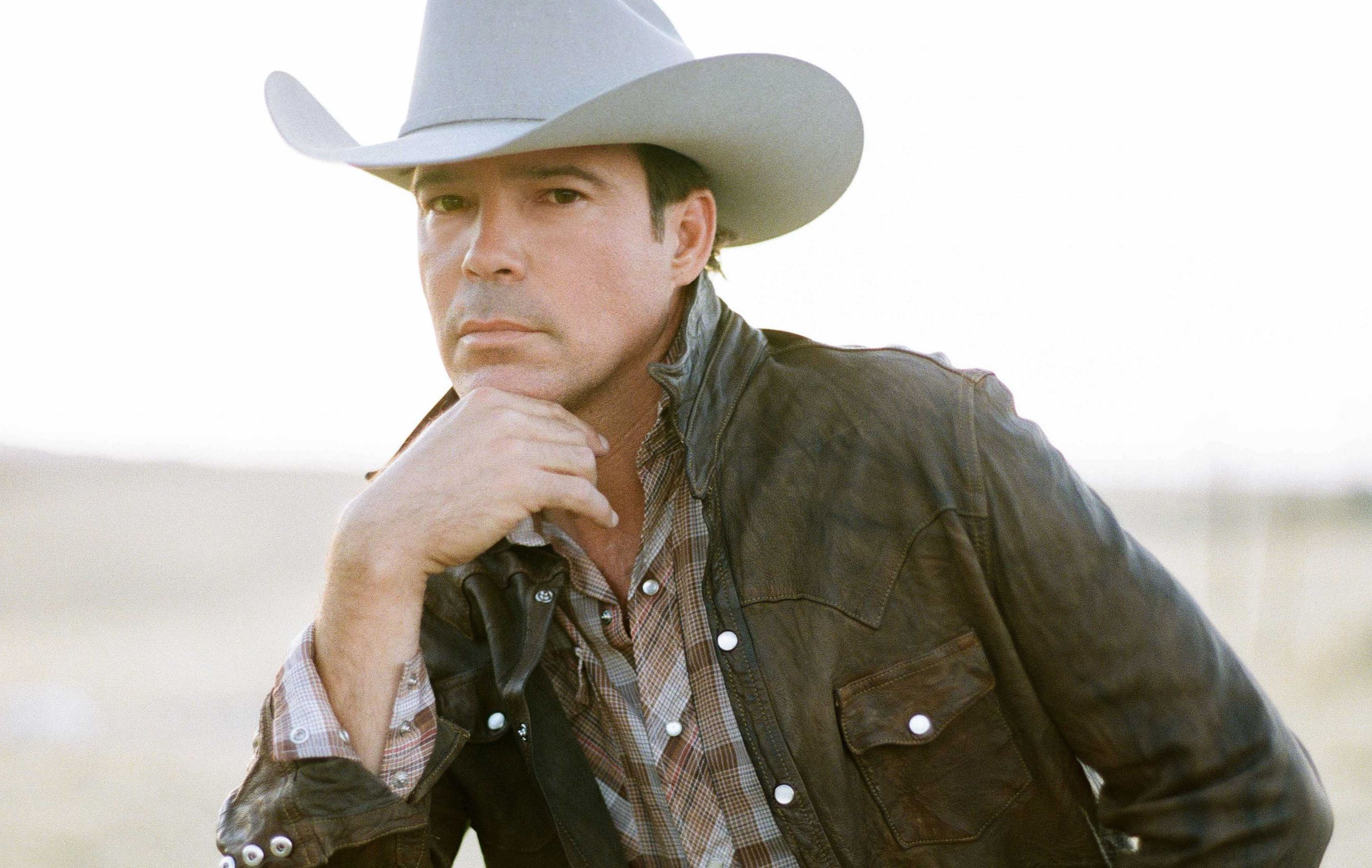 Clay Walker with Special Guest Anna Vaus